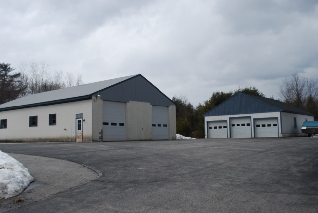 77 carl broggi highway investcomm commercial real estate for Due bay garage